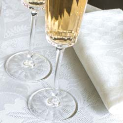 Duchesse Table Linens by Le Jacquard Francais