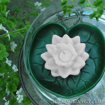 "5.25"" Water lily floating candle"