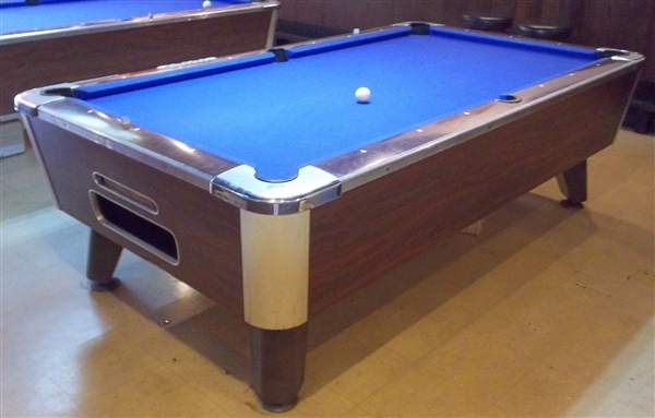 Valley Commercial Style 8 Foot Pool Table