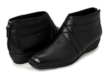 Trotters: Latch Black Leather