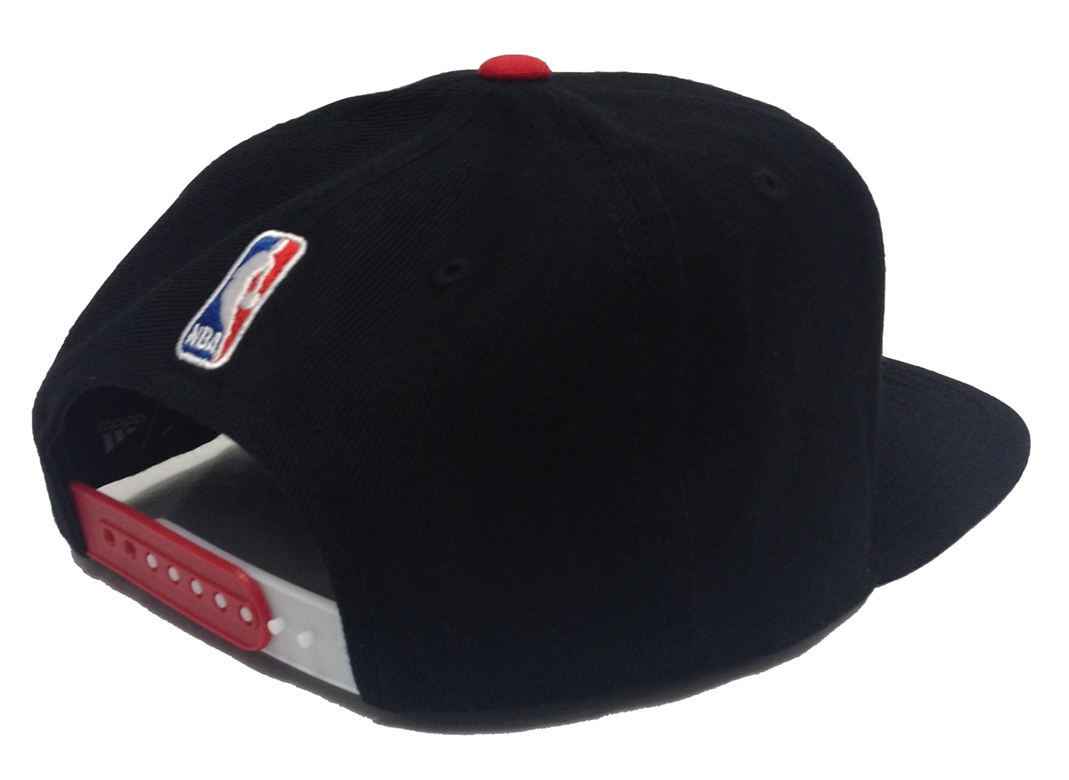 c6afb329c54 Adidas NBA Draft Cap XL Logo Chicago Bulls Black Snapback