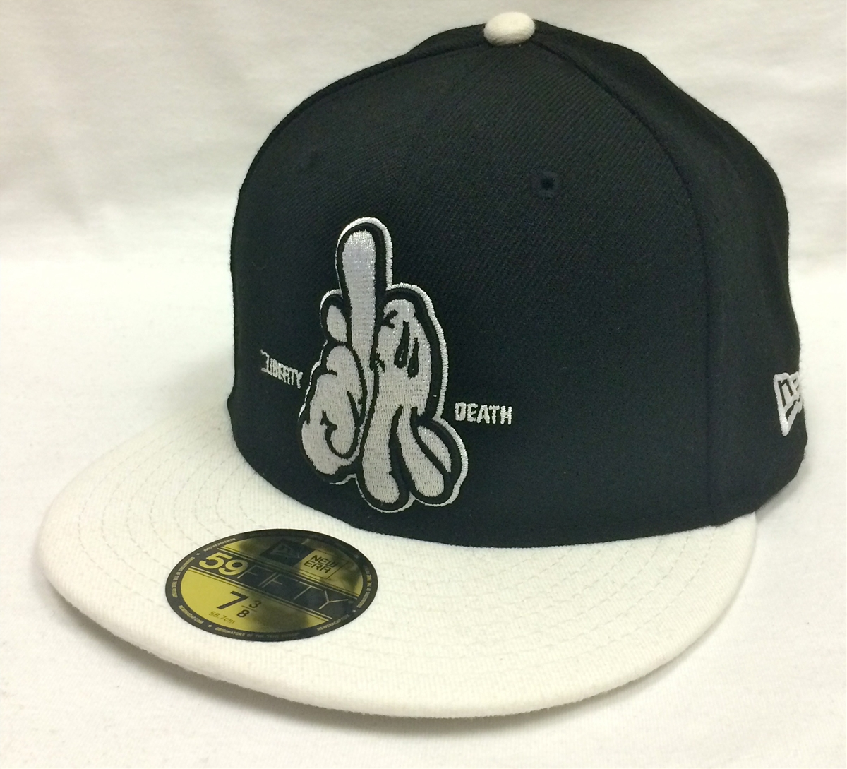 New Era 59Fifty Dissizit! LA Hands L or D Black   White Fitted Cap 2b0e896e3e18