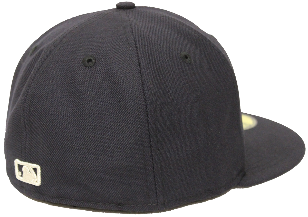 47070694b540d New Era 59Fifty New York Yankees Silver Metal Badge Navy Fitted Cap T4H  Custom