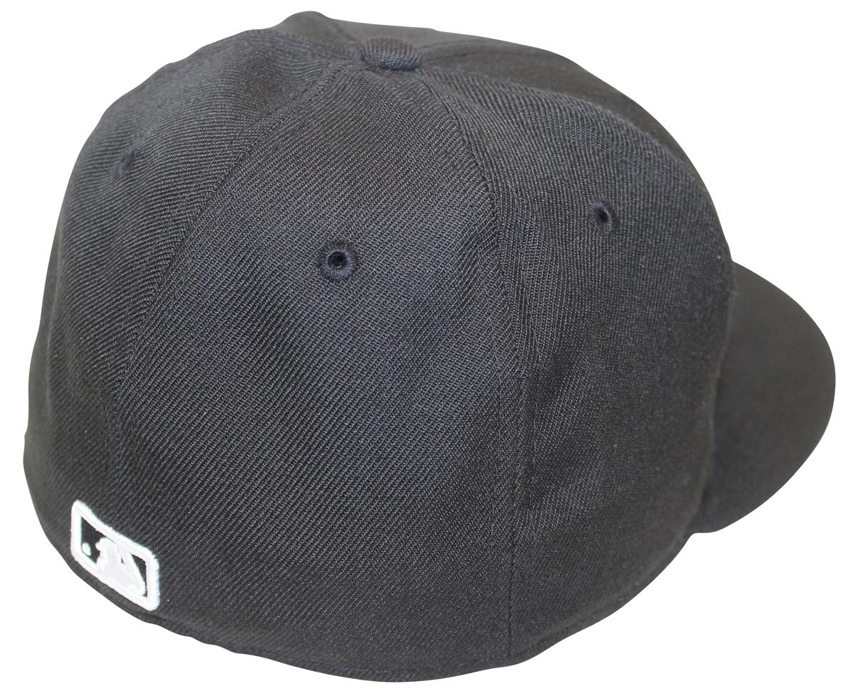 abb626071a7 New Era 59Fifty MLB Basic Black White New York Yankees Fitted Cap