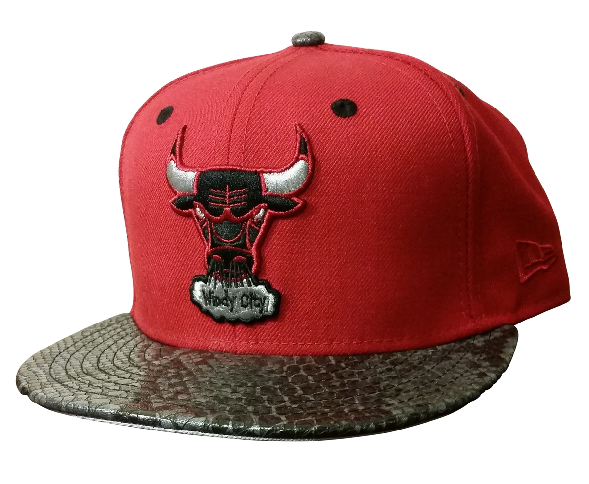 d7e4a7ae4b9 New Era 59Fifty Chicago Bulls Over Broadway Scarlet Red Fitted T4H ...