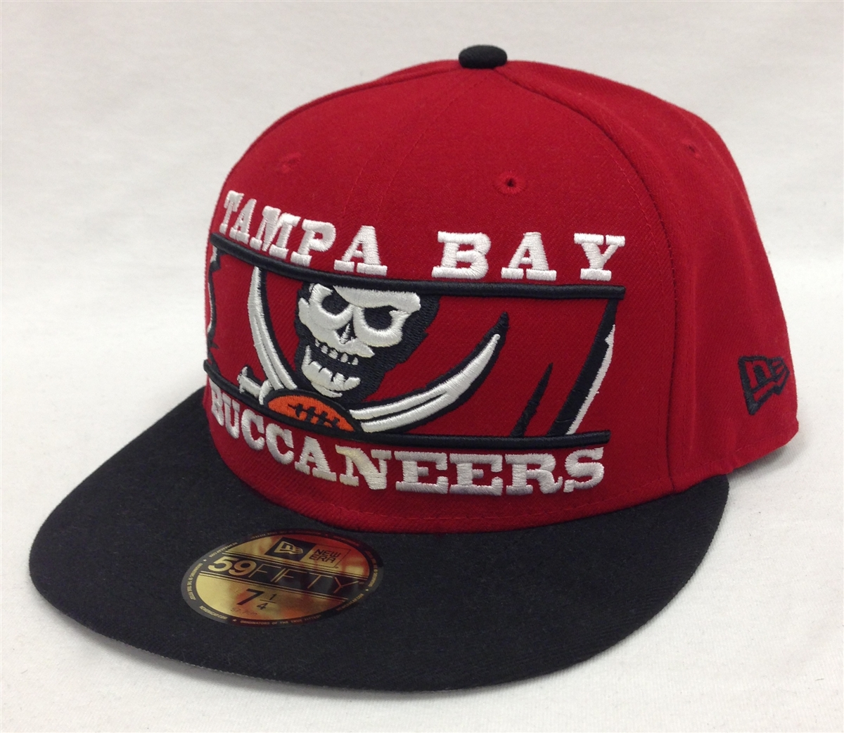 New Era 59Fifty Logo Zoom Tampa Bay Buccaneers Red   Black ... 9e4a27dcd92