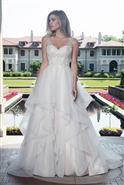 Loadoro Bridal Gown M612