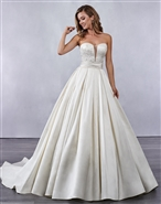 Loadoro Bridal Gown M702