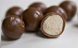 MILK CHOCOLATE 'SMALLER SIZE' MALT BALLS 9 KG B0X
