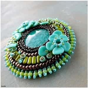 BeadSmith Exclusive Bead Store Patterns - Nib-BIt Hippie Brooch
