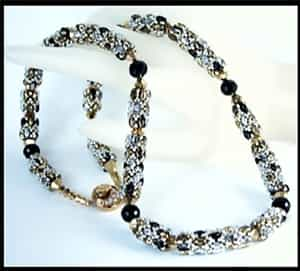 BeadSmith Exclusive Bead Store Patterns - Night Out on the Town Necklace