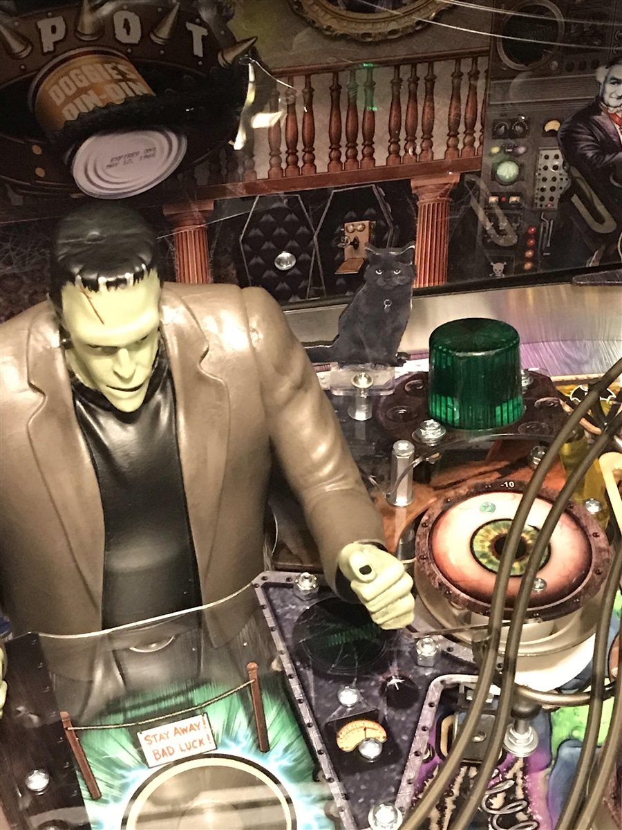 Kitty MOD for Stern's The Munsters pinball machine