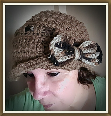 Cloche Hat with Bow - Tan