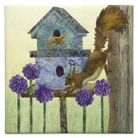 Quilt block of a nosy squirrel, trying to see if anybody is home.