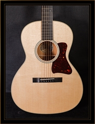 Collings C10 in Natural