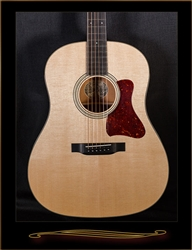 Collings CJ Mh Slope-Shoulder Dreadnought in Natural