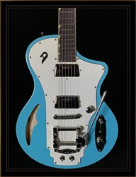 Duesenberg Julia in Narvik Blue