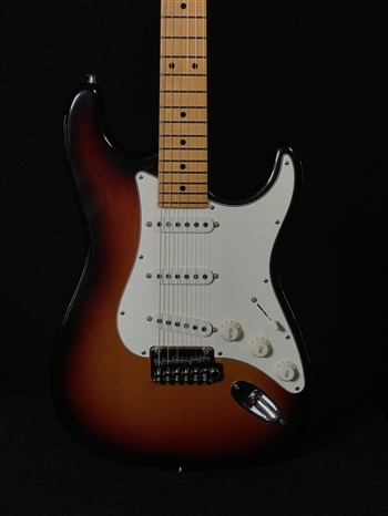 Suhr Classic S Antique in 3-Tone Sunburst with SSS Pickup Configuration and Maple Fretboard