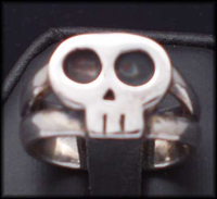 Little Dead Girl Skull Ring