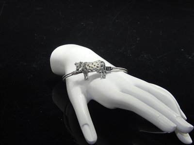 AB9203 COW HAMMERED BANGLE