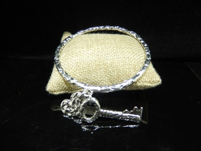 SILVER KEY/HEART BANGLE