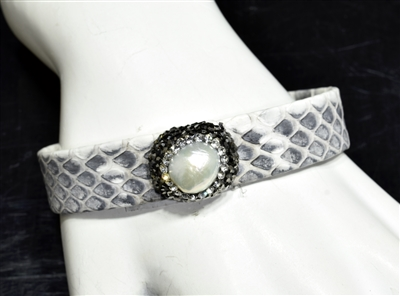 CB107 PEARL WHITE/GRAY SNAKE SKIN BANGLE