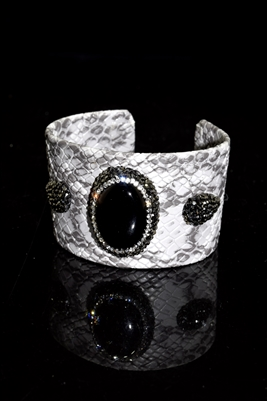 CB121 BLACK STONE WHITE/GRAY SNAKE SKIN CUFF BANGLE