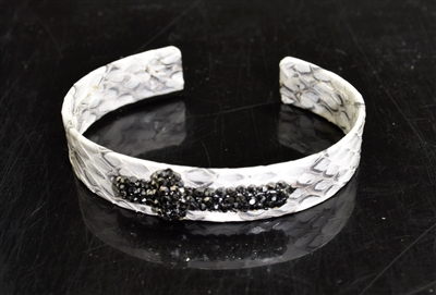 CB152 WHITE SNAKE SKIN BANGLE