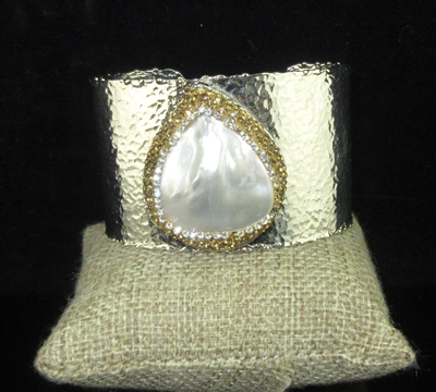 "CB308 GOLD CRYSTAL ""PEARL"" TEARDROP HAMMERED CUFF BANGLE"