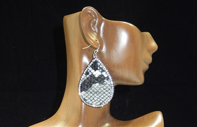 CD122 CLAY DRUZY SNAKESKIN EARRINGS