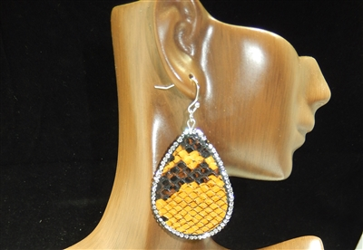 CD124 CLAY DRUZY SNAKESKIN EARRINGS