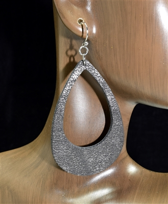 CE1119 LEATHER OPEN TEARDROP EARRINGS