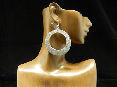 CE1123 OPEN CIRCLE LEATHER EARRING