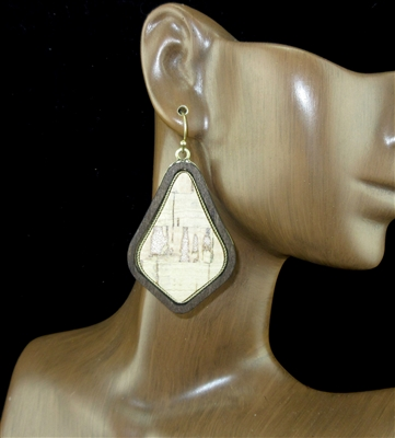 CE1233 WOOD ANTIQUE GOLD POST EARRINGS