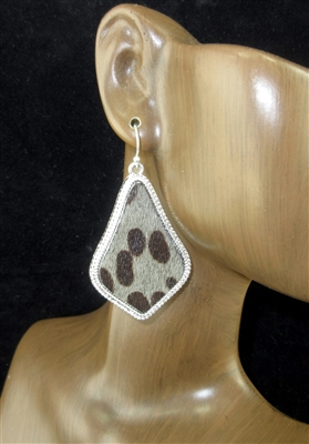 CE2598 GRAY LEATHER ANIMAL PRINT  EARRINGS