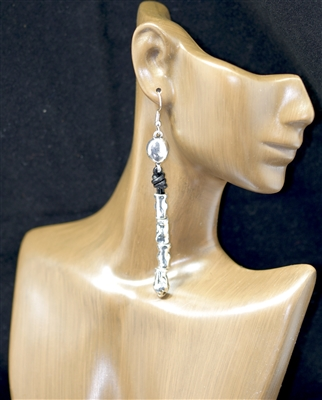 CE4063 HAMMERED DANGLE EARRINGS