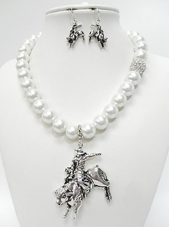 CNE1130 BEADED RODEO NECKLACE SET