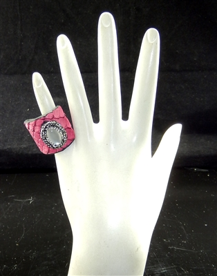 CR134 OFF WHITE STONE RED SNAKESKIN CLAY DRUZY RING