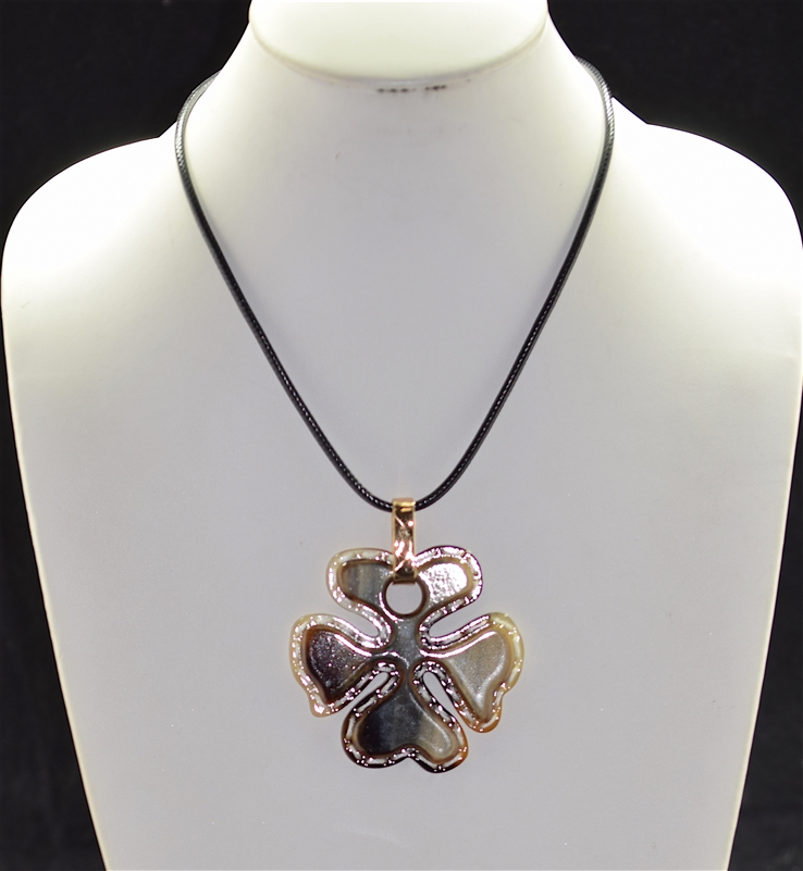 EN1063 4 LEAF CLOVER NECKLACE