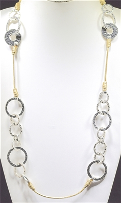 EN11671 ANTIQUE/HAMMERED OPEN CIRCLES NECKLACE