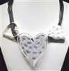 HAMMERED TRIPLE HEART COLLAR NECKLACE