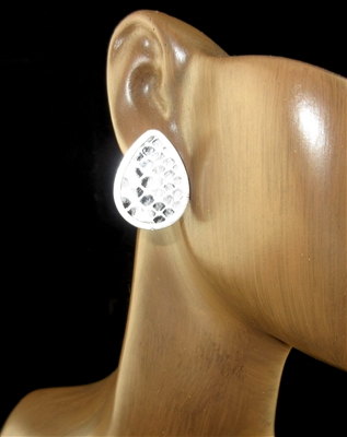 FER3332 WHITE SNAKE SKIN SMALL STUD EARRINGS
