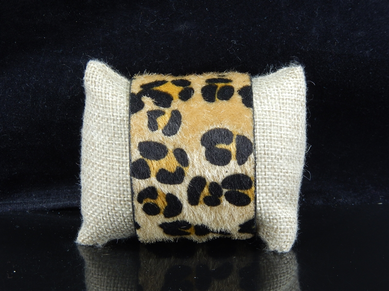 THICK CHEETAH CUFF