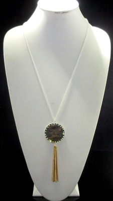 MN262-2/18 CAMOUFLAGE ROUND PENDANT CORK TASSEL LONG SILVER NK