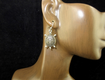 QE-5039 HAMMERED SMALL TURTLE  DANGLE EARRINGS