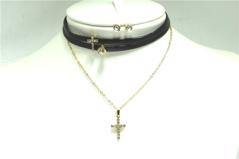 SNE10937AGBKCL 3round Cross choker set