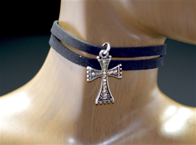 VN0343 SUEDE/CROSS CHOKER