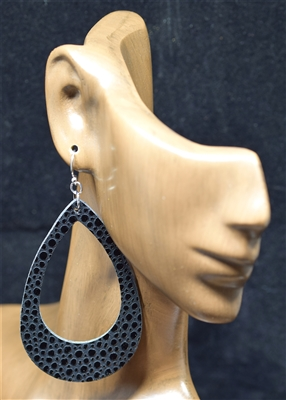 CE1121 TEARDROP LEATHER EARRINGS