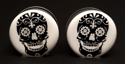 Black Skull on White Plugs DF