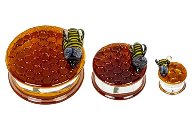 Honeycomb Textured Plugs One Bee